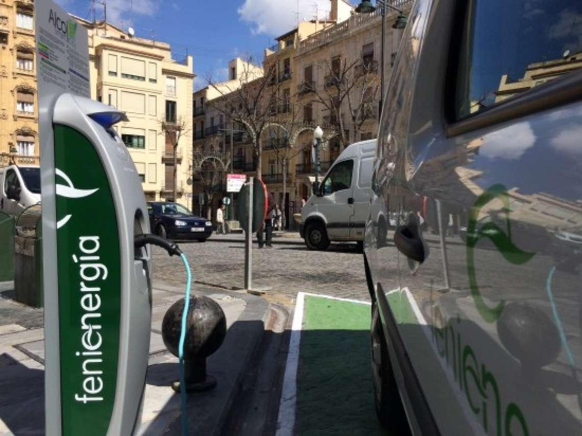 Feníe Energía recarga Vehículo Eléctrico